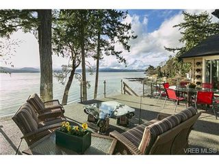 Photo 2: LUXURY REAL ESTATE FOR SALE IN DEEP COVE, B.C. CANADA SOLD With Ann Watley