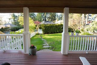 Photo 4: 12720 15A AVENUE in South Surrey White Rock: Crescent Bch Ocean Pk. Home for sale ()  : MLS®# R2161642