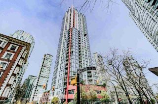 "Photo 12: 2001 1211 MELVILLE Street in Vancouver: Coal Harbour Condo for sale in ""RITZ"" (Vancouver West)  : MLS®# R2559926"