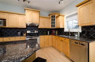 Photo 12: 1548 STRATHCONA Drive SW in Calgary: Strathcona Park Detached for sale : MLS®# C4292231