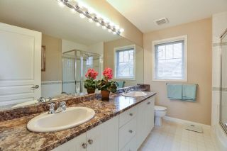 """Photo 12: 7 6177 169 Street in Surrey: Cloverdale BC Townhouse for sale in """"NORTHVIEW WALK"""" (Cloverdale)  : MLS®# R2256305"""