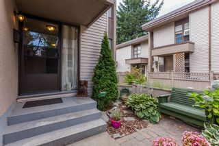 """Photo 2: 49 13809 102 Avenue in Surrey: Whalley Townhouse for sale in """"The Meadows"""" (North Surrey)  : MLS®# F1447952"""