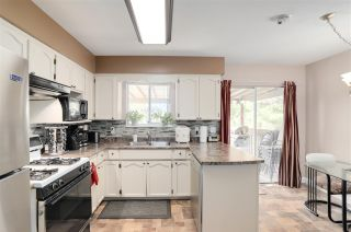 Photo 6: 8819 152 Street in Surrey: Bear Creek Green Timbers House for sale : MLS®# R2251912
