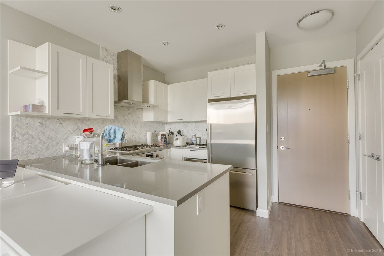 """Photo 11: Photos: 2603 520 COMO LAKE Avenue in Coquitlam: Coquitlam West Condo for sale in """"THE CROWN"""" : MLS®# R2483945"""