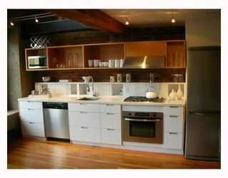 """Photo 2: 306 528 BEATTY Street in Vancouver: Downtown VW Condo for sale in """"THE BOWMAN BLOCK"""" (Vancouver West)  : MLS®# V676620"""