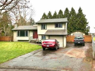 Photo 1: 17279 62 Avenue in Surrey: Cloverdale BC House for sale (Cloverdale)  : MLS®# R2563824