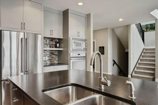Photo 13: 30 WEXFORD Crescent SW in Calgary: West Springs Detached for sale : MLS®# C4306376