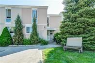 Main Photo: 15 25 Britten Close in Hamilton: House for sale : MLS®# H4028535