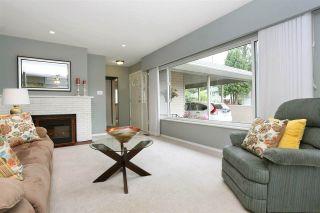 Photo 2: 15035 BLUEBIRD Crescent in Surrey: Bolivar Heights House for sale (North Surrey)  : MLS®# R2599284