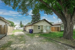 Photo 1: 1808 F Avenue North in Saskatoon: Mayfair Residential for sale : MLS®# SK863658