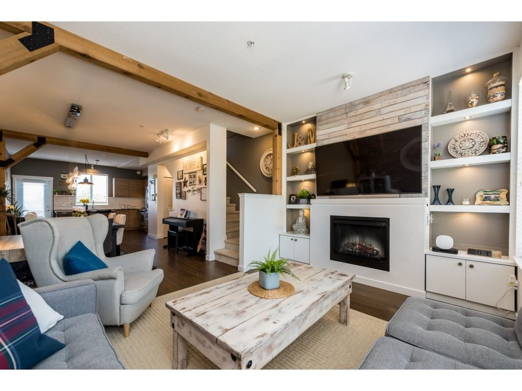 """Main Photo: 59 7938 209 Street in Langley: Willoughby Heights Townhouse for sale in """"Red Maple"""" : MLS®# R2364979"""