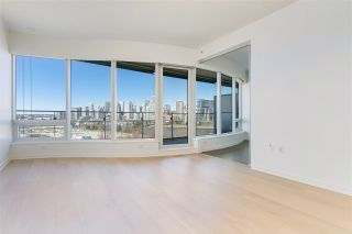 """Photo 6: 807 181 W 1ST Avenue in Vancouver: False Creek Condo for sale in """"BROOK AT THE VILLAGE"""" (Vancouver West)  : MLS®# R2567643"""