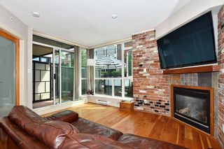"""Photo 1: 106 2515 ONTARIO Street in Vancouver: Mount Pleasant VW Condo for sale in """"ELEMENTS"""" (Vancouver West)  : MLS®# R2385133"""