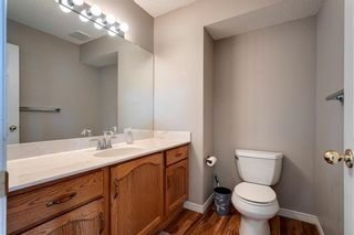 Photo 15: 33 SILVERGROVE Close NW in Calgary: Silver Springs Row/Townhouse for sale : MLS®# C4300784