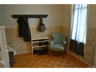 Photo 2: 694 College Avenue in Winnipeg: North End Residential for sale (4A)  : MLS®# 1702787