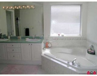 "Photo 6: 15331 80A AV in Surrey: Fleetwood Tynehead House for sale in ""SOUTH FLEETWOOD"" : MLS®# F2616282"