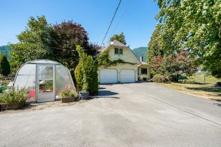 Photo 5: 39039 NORTH PARALLEL Road in Abbotsford: Sumas Prairie House for sale : MLS®# R2602841