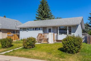 Photo 2: 4628 3 Street NE in Calgary: Greenview Detached for sale : MLS®# A1128741