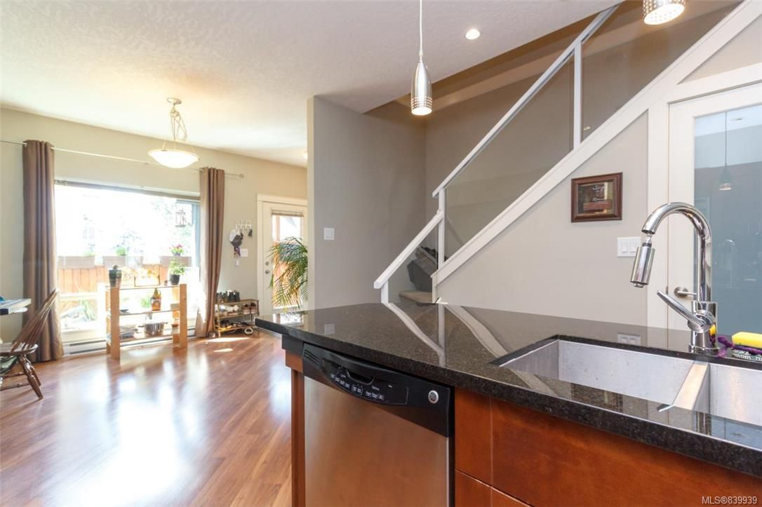 Photo 7: Photos: 205 785 Station Ave in Langford: La Langford Proper Row/Townhouse for sale : MLS®# 839939