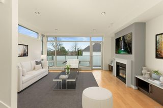 Photo 2: 5 2830 Irma St in : Vi Burnside Row/Townhouse for sale (Victoria)  : MLS®# 865677