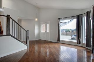 Photo 11: 93 Sidon Crescent SW in Calgary: Signal Hill Detached for sale : MLS®# A1150956