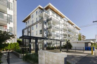 """Photo 15: 312 6677 CAMBIE Street in Vancouver: South Cambie Condo for sale in """"Mosaic Homes Cambria South"""" (Vancouver West)  : MLS®# R2409599"""