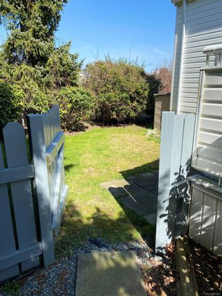 Photo 16: 1-7509 Central Saanich Rd  |  Country Park Village