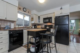 "Photo 5: 8229 18TH Avenue in Burnaby: East Burnaby House for sale in ""EAST BURNABY"" (Burnaby East)  : MLS®# R2045815"