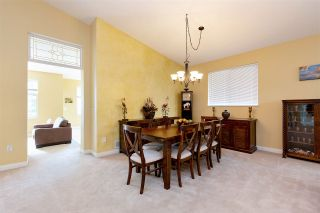 """Photo 5: 152 2979 PANORAMA Drive in Coquitlam: Westwood Plateau Townhouse for sale in """"Deercrest Estates"""" : MLS®# R2411444"""