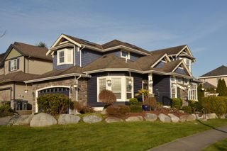 Photo 1: 16777 57A Avenue in Surrey: Cloverdale BC House for sale (Cloverdale)  : MLS®# F1434225