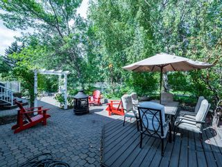 Photo 3: 256 Sirocco Place SW in Calgary: Signal Hill Detached for sale : MLS®# A1143867