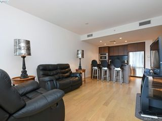 Photo 4: 202 100 Saghalie Rd in VICTORIA: VW Songhees Condo for sale (Victoria West)  : MLS®# 833456