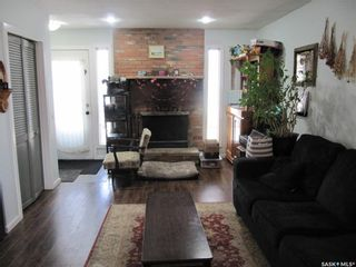 Photo 3: 1133 I Avenue South in Saskatoon: Holiday Park Residential for sale : MLS®# SK847411