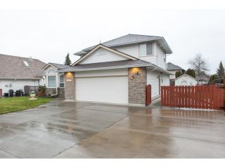"""Photo 2: 22071 OLD YALE Road in Langley: Murrayville House for sale in """"UPPER MURRAYVILLE"""" : MLS®# R2028822"""
