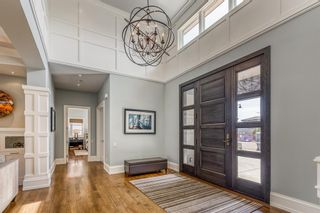 Photo 2: 10 Elveden Heights SW in Calgary: Springbank Hill Detached for sale : MLS®# A1094745