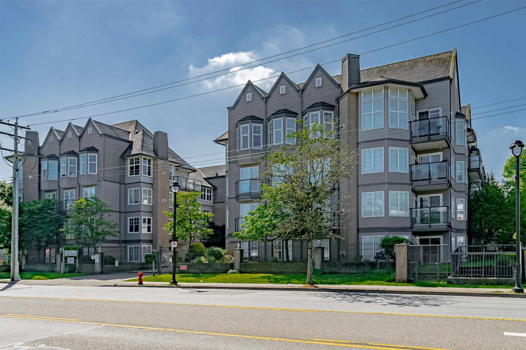 """Main Photo: #407 20200 56 Avenue in Langley: Langley City Condo for sale in """"The Bentley"""" : MLS®# R2598723"""