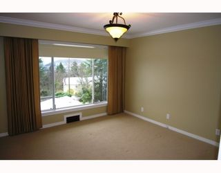Photo 7: 237 N SEA Avenue in Burnaby: Capitol Hill BN House for sale (Burnaby North)  : MLS®# V748418