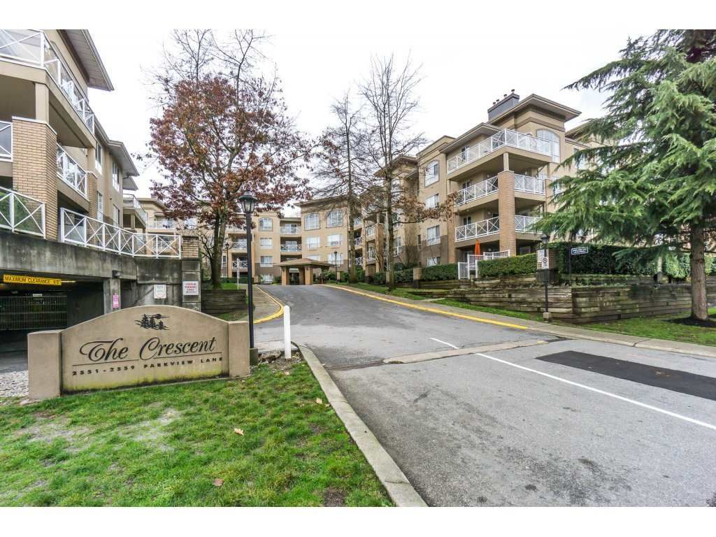 """Main Photo: 424 2551 PARKVIEW Lane in Port Coquitlam: Central Pt Coquitlam Condo for sale in """"THE CRESCENT"""" : MLS®# R2228836"""