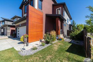 Photo 2: 2431 Ware Crescent in Edmonton: Zone 56 House for sale : MLS®# E4261491
