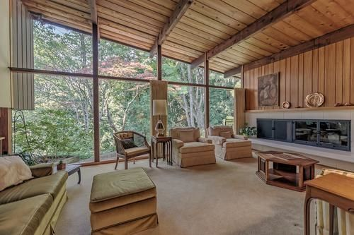 FEATURED LISTING: 1745 PALMERSTON Avenue West Vancouver