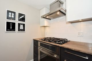 """Photo 16: 206 1618 QUEBEC Street in Vancouver: Mount Pleasant VE Condo for sale in """"CENTRAL"""" (Vancouver East)  : MLS®# R2262451"""