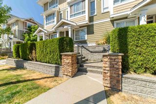 Photo 4: 2 20159 68 Avenue in Langley: Willoughby Heights Townhouse for sale : MLS®# R2605698