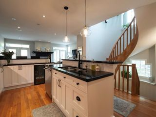 Photo 6: 2722 7 Avenue NW in Calgary: West Hillhurst Semi Detached for sale : MLS®# A1098614