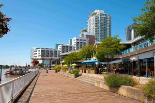 """Photo 38: 306 5 K DE K Court in New Westminster: Quay Condo for sale in """"Quayside Terrace"""" : MLS®# R2585384"""