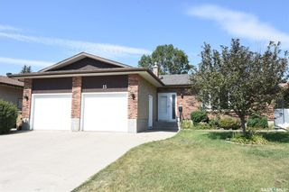 Photo 1: 15 McCready Bay in Regina: Uplands Residential for sale : MLS®# SK823918