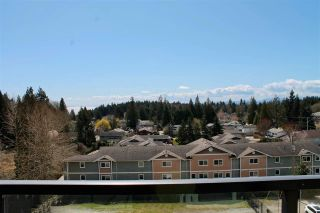 """Photo 3: 408 875 GIBSONS Way in Gibsons: Gibsons & Area Condo for sale in """"SOAMES PLACES"""" (Sunshine Coast)  : MLS®# R2564243"""