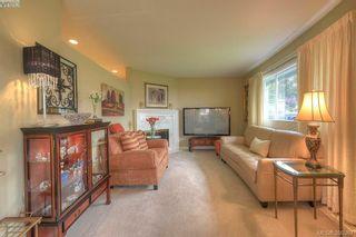 Photo 4: 9 300 Plaskett Pl in VICTORIA: Es Saxe Point House for sale (Esquimalt)  : MLS®# 784553