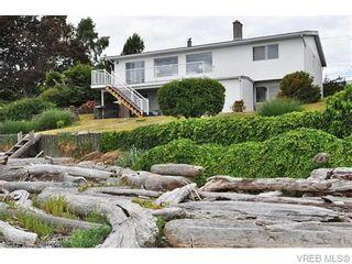Photo 2: 9251 Lochside Dr in NORTH SAANICH: NS Bazan Bay House for sale (North Saanich)  : MLS®# 742673