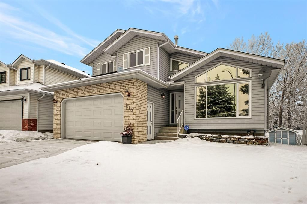 Main Photo: 210 Hawktree Bay NW in Calgary: Hawkwood Detached for sale : MLS®# A1062058
