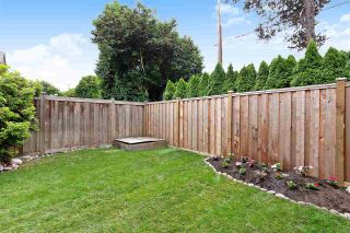 "Photo 3: 6 5501 LADNER TRUNK Road in Delta: Hawthorne Townhouse for sale in ""Sycamore Court"" (Ladner)  : MLS®# R2402042"